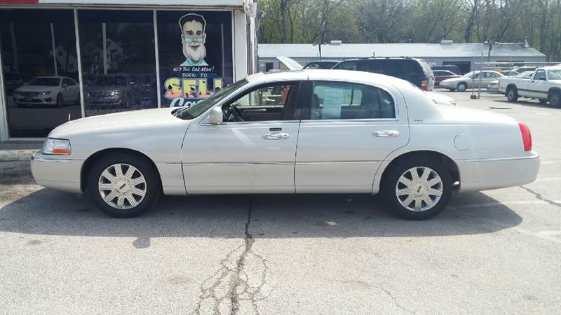 2004 Lincoln Town Car for sale at Paul Gerber Auto Sales in Omaha NE