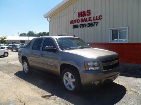 2007 Chevrolet Avalanche for sale at H & S Auto Sale LLC in Grandview MO