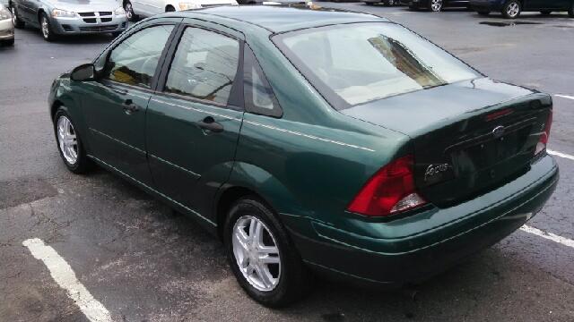 2001 Ford Focus SE 4dr Sedan - We Finance Everyone! FL