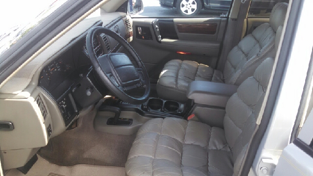 1994 Jeep Grand Cherokee Limited 4dr 4WD SUV - We Finance Everyone! FL
