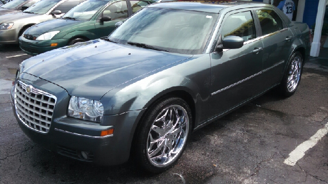 2006 Chrysler 300 Touring 4dr Sedan - We Finance Everyone! FL