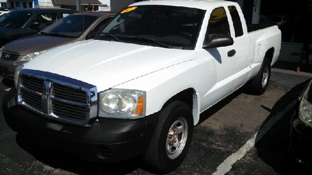 2007 Dodge Dakota ST 4x2 4dr Club Cab SB - We Finance Everyone! FL