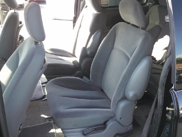 2005 Dodge Caravan SXT 4dr Mini-Van - We Finance Everyone! FL