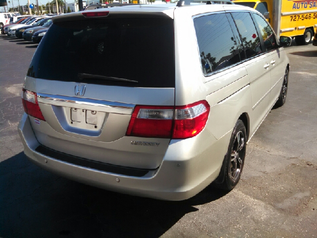 2005 Honda Odyssey Touring 4dr Mini-Van - We Finance Everyone! FL