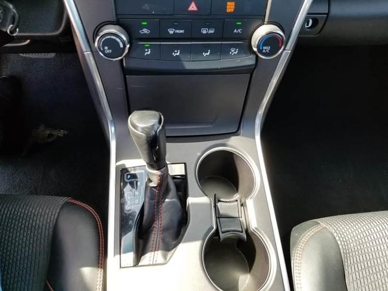 2017 Toyota Camry SE 4dr Sedan - Hialeah FL