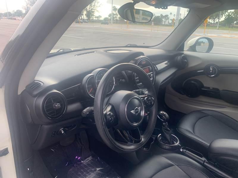 2015 MINI Hardtop 2 Door Cooper 2dr Hatchback - Hialeah FL