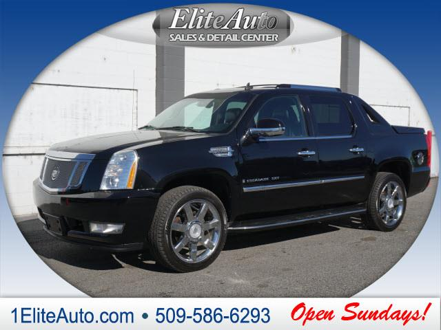 2007 CADILLAC ESCALADE EXT BASE AWD 4DR CREW CAB SB black raven picture yourself in this beauty