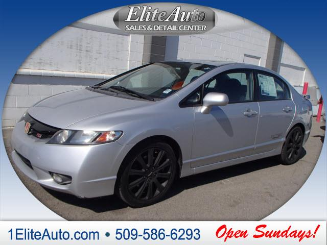 2009 HONDA CIVIC SI 4DR SEDAN 6M silver picture yourself in this beauty  the title check is an i