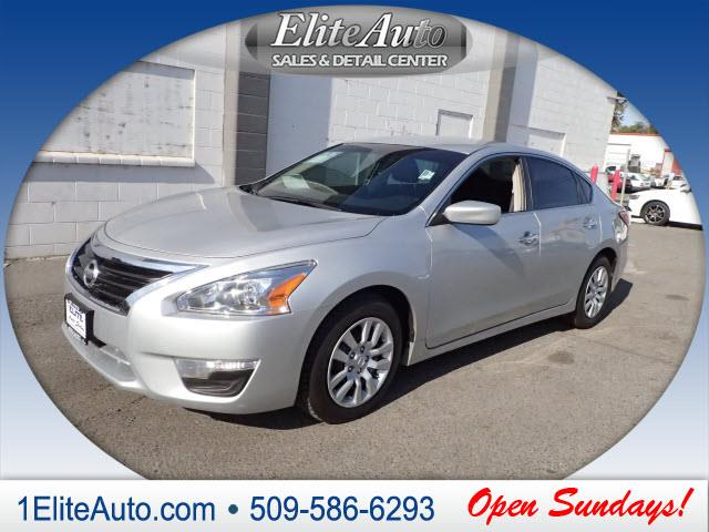 2013 NISSAN ALTIMA 25 S 4DR SEDAN silver why over pay this is one of the best values around  c
