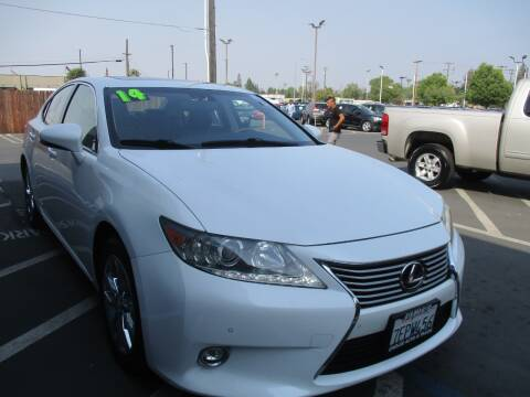 2014 Lexus ES 300h for sale at Choice Auto & Truck in Sacramento CA