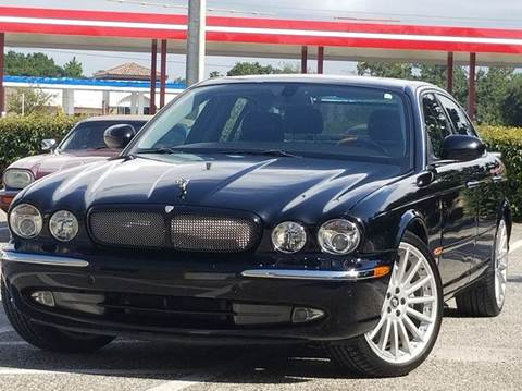 2005 Jaguar XJR for sale at PORT TAMPA AUTO GROUP LLC in Riverview FL
