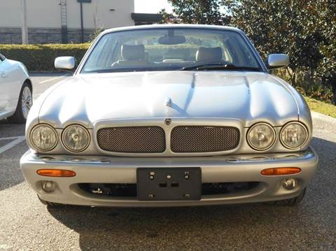 2003 Jaguar XJR for sale at PORT TAMPA AUTO GROUP LLC in Riverview FL