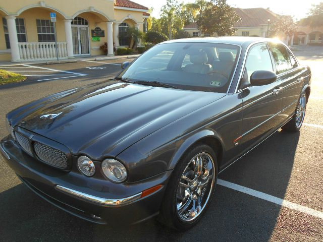 2004 Jaguar XJR for sale at PORT TAMPA AUTO GROUP LLC in Riverview FL