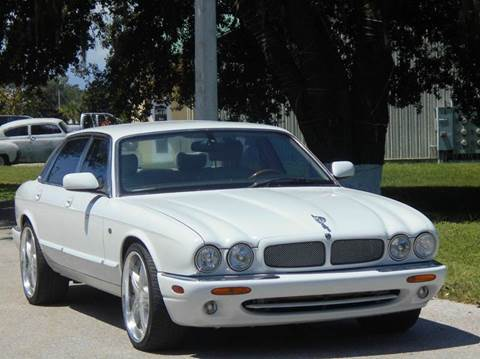 2000 Jaguar XJR for sale at PORT TAMPA AUTO GROUP LLC in Riverview FL