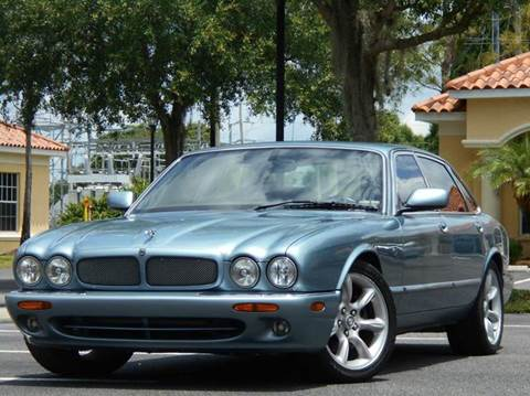 2002 Jaguar XJR for sale at PORT TAMPA AUTO GROUP LLC in Riverview FL