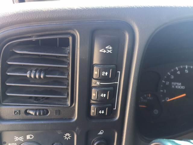 2003 Chevrolet Silverado 2500HD for sale at TOWN & COUNTRY MOTORS INC in Meriden KS