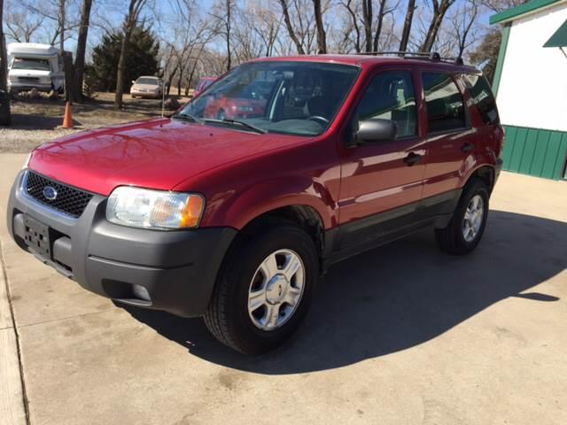 2003 Ford Escape for sale at TOWN & COUNTRY MOTORS INC in Meriden KS