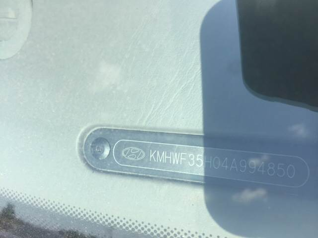 2004 Hyundai Sonata for sale at TOWN & COUNTRY MOTORS INC in Meriden KS