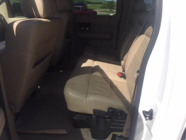2005 Ford F-150 for sale at TOWN & COUNTRY MOTORS INC in Meriden KS