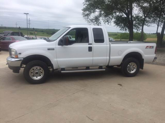 2004 Ford F-250 Super Duty for sale at TOWN & COUNTRY MOTORS INC in Meriden KS