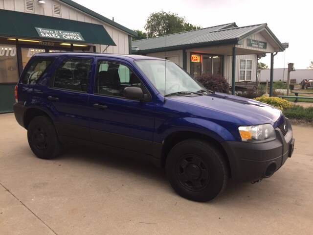 2006 Ford Escape for sale at TOWN & COUNTRY MOTORS INC in Meriden KS