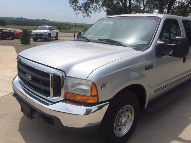 1999 Ford F-250 Super Duty for sale at TOWN & COUNTRY MOTORS INC in Meriden KS