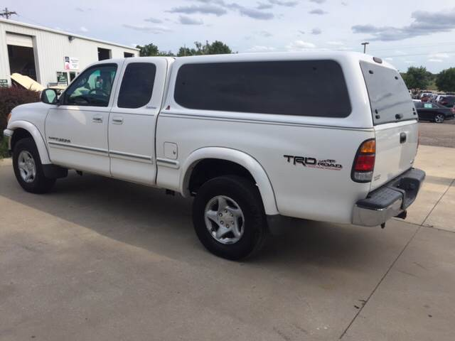 2000 Toyota Tundra for sale at TOWN & COUNTRY MOTORS INC in Meriden KS
