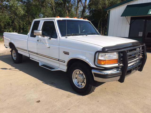 1996 Ford F-250 for sale at TOWN & COUNTRY MOTORS INC in Meriden KS
