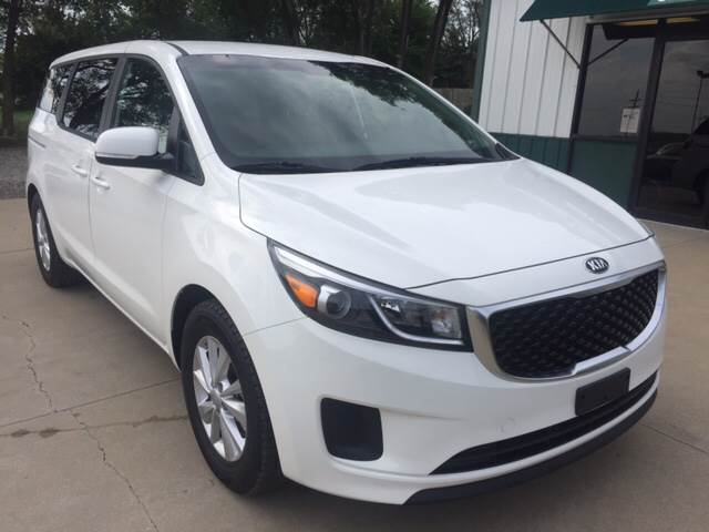 2017 Kia Sedona for sale at TOWN & COUNTRY MOTORS INC in Meriden KS