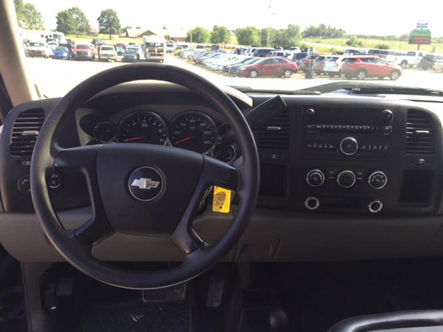 2008 Chevrolet Silverado 3500HD for sale at TOWN & COUNTRY MOTORS INC in Meriden KS