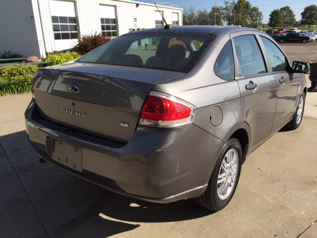 2009 Ford Focus for sale at TOWN & COUNTRY MOTORS INC in Meriden KS