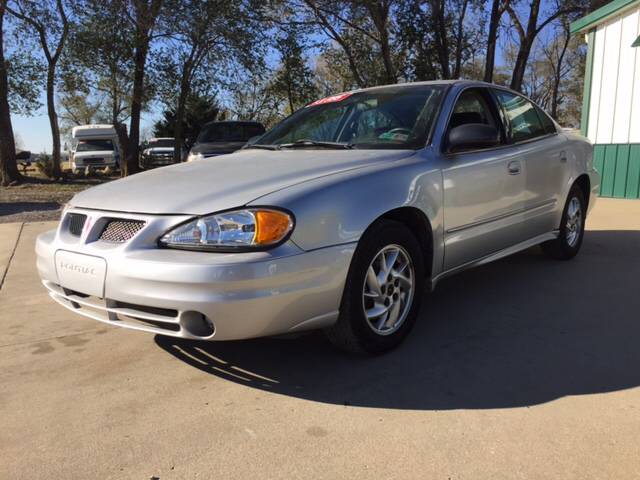 2004 Pontiac Grand Am for sale at TOWN & COUNTRY MOTORS INC in Meriden KS