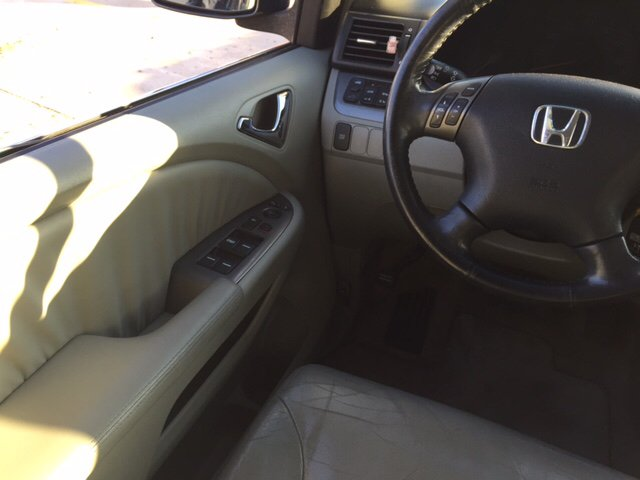 2006 Honda Odyssey for sale at TOWN & COUNTRY MOTORS INC in Meriden KS