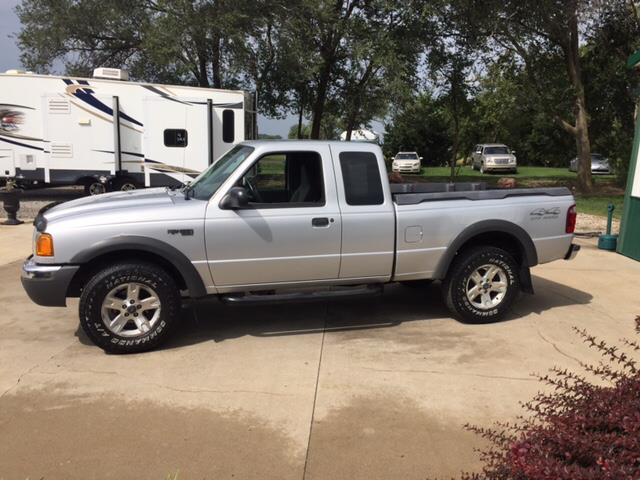 2002 Ford Ranger for sale at TOWN & COUNTRY MOTORS INC in Meriden KS