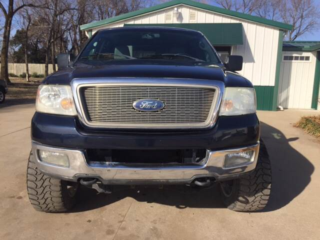 2004 Ford F-150 for sale at TOWN & COUNTRY MOTORS INC in Meriden KS