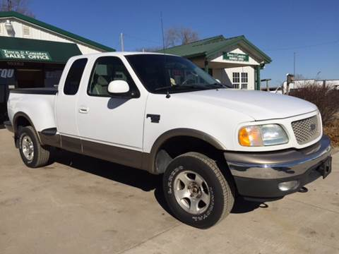 2002 Ford F-150 for sale at TOWN & COUNTRY MOTORS INC in Meriden KS