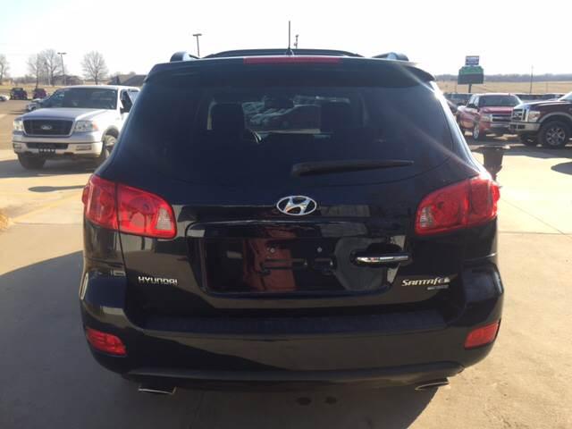 2007 Hyundai Santa Fe for sale at TOWN & COUNTRY MOTORS INC in Meriden KS