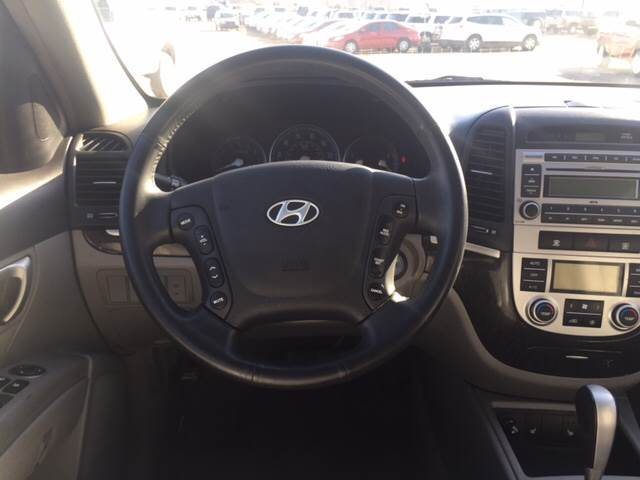 2007 Hyundai Santa Fe for sale at TOWN & COUNTRY MOTORS INC in Meriden KS