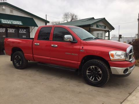 2006 Dodge Ram Pickup 1500 for sale at TOWN & COUNTRY MOTORS INC in Meriden KS