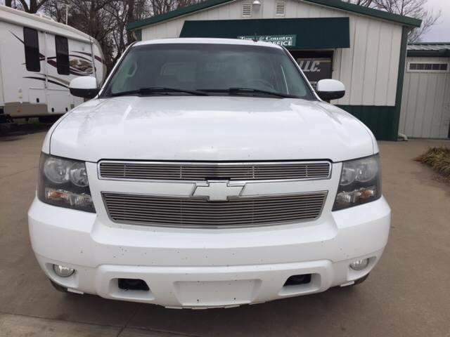 2007 Chevrolet Avalanche for sale at TOWN & COUNTRY MOTORS INC in Meriden KS