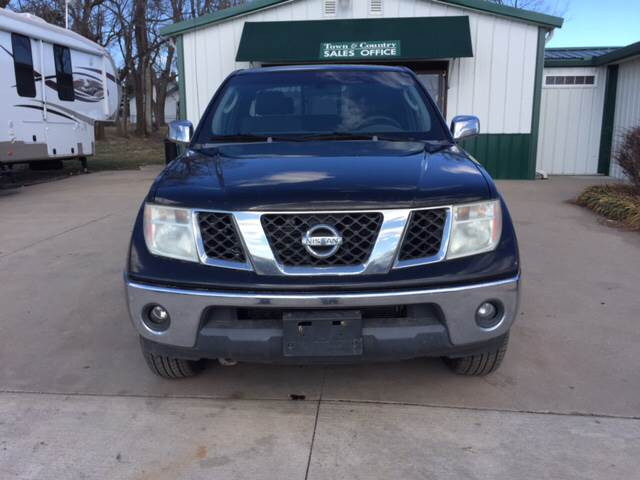 2005 Nissan Frontier for sale at TOWN & COUNTRY MOTORS INC in Meriden KS