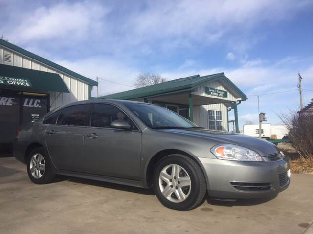 2009 Chevrolet Impala for sale at TOWN & COUNTRY MOTORS INC in Meriden KS