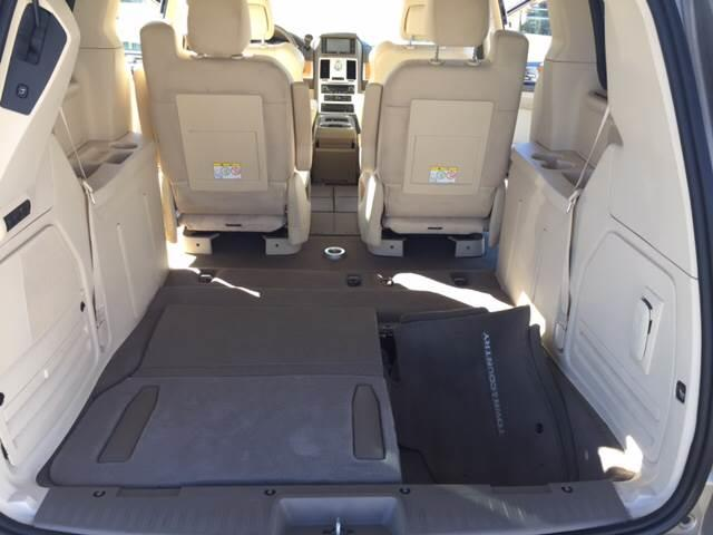 2008 Chrysler Town and Country for sale at TOWN & COUNTRY MOTORS INC in Meriden KS