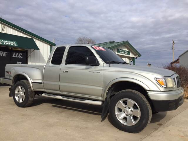 2001 Toyota Tacoma for sale at TOWN & COUNTRY MOTORS INC in Meriden KS