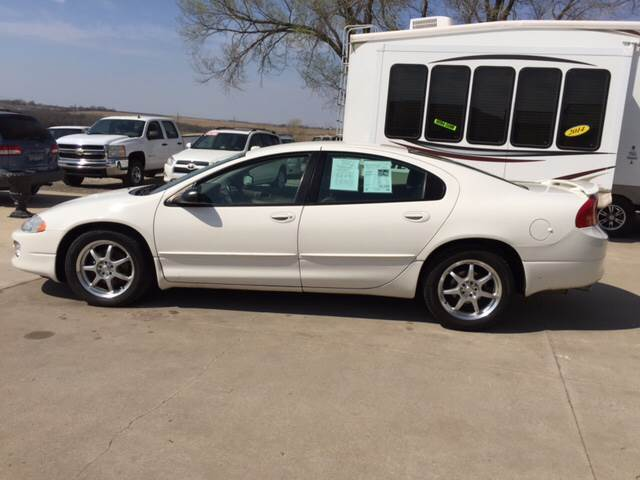 2002 Dodge Intrepid for sale at TOWN & COUNTRY MOTORS INC in Meriden KS