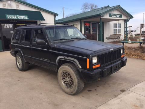 1997 Jeep Cherokee for sale at TOWN & COUNTRY MOTORS INC in Meriden KS