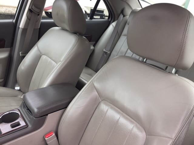 2004 Lincoln LS for sale at TOWN & COUNTRY MOTORS INC in Meriden KS