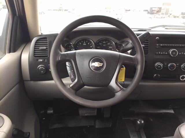 2008 Chevrolet Silverado 2500HD for sale at TOWN & COUNTRY MOTORS INC in Meriden KS