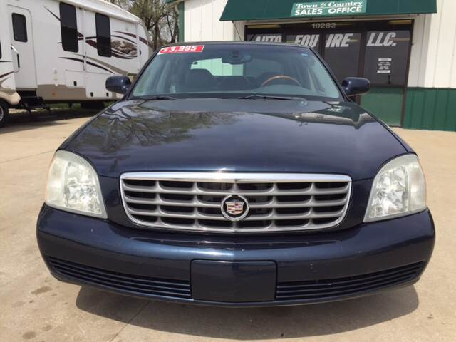 2003 Cadillac DeVille for sale at TOWN & COUNTRY MOTORS INC in Meriden KS