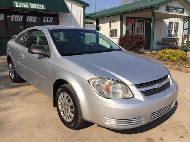 2009 Chevrolet Cobalt for sale at TOWN & COUNTRY MOTORS INC in Meriden KS